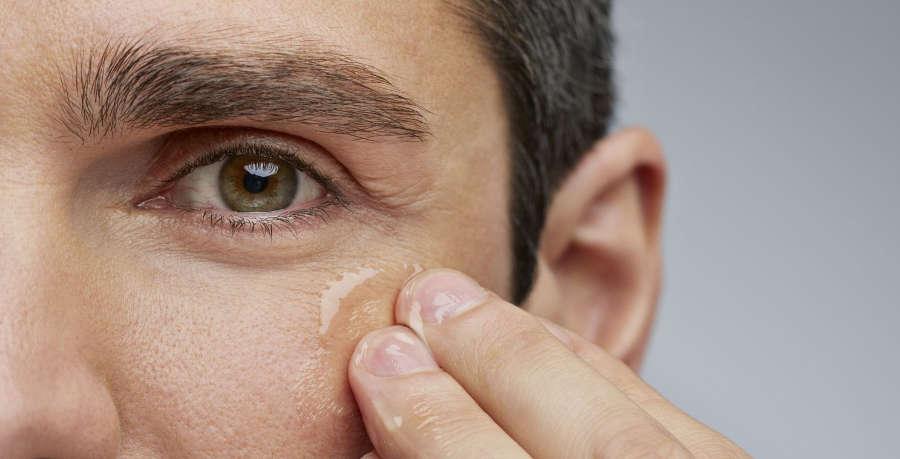 Contorno de ojos hombres