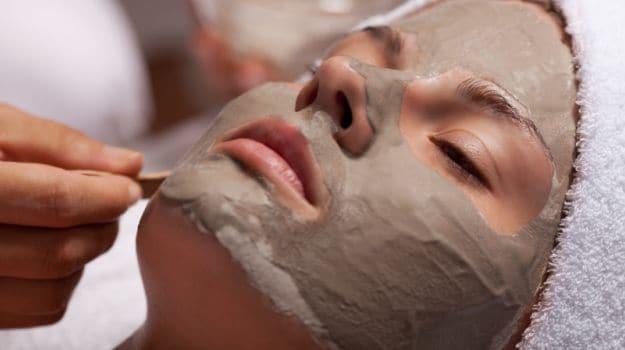 mascarilla-de-barro-para limpieza facial casera